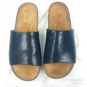 04cc88ea17ad Clarks Shoes - Clarks Rosilla Hollis sandals black 8 1 2 NWT